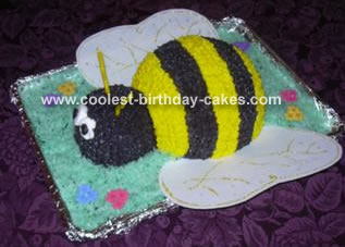 Coolest Bumble Bee Birthday Cakes