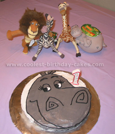 Alex the Lion Madagascar Animal Cake Photo