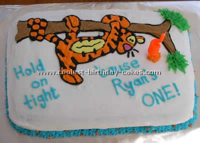 Tigger Cartoon Cake Photo