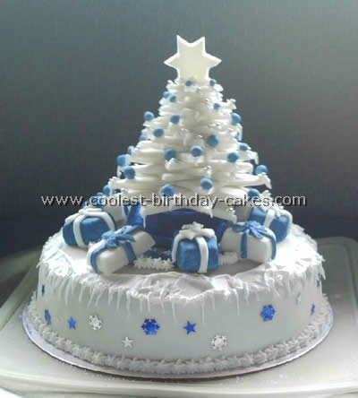 Tree-Shaped Christmas Cakes
