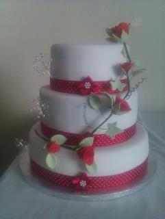 Cool Rose Petal Wedding Cake