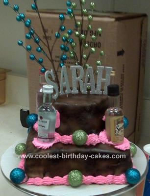 This is a rocking 21st birthday cake for a young woman. 21st Birthday Cakes