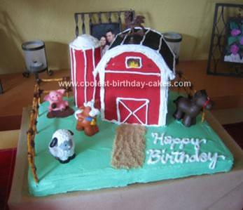 Barnyard Birthday Cakes