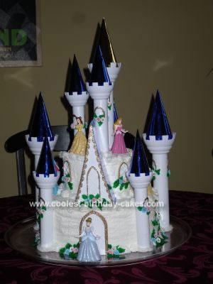 Disney Princess Birthday Cakes on Coolest Cinderella S Castle Cake 383