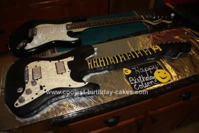 HOmemade Guitar Cake Design