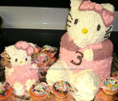 3D Hello Kitty Cakes