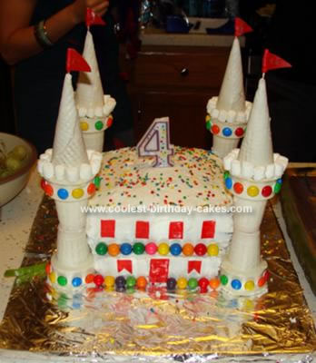 Easy Castle Cakes for Girls http://www.coolest-birthday-cakes.com/coolest-homemade-castle-cake-378.html