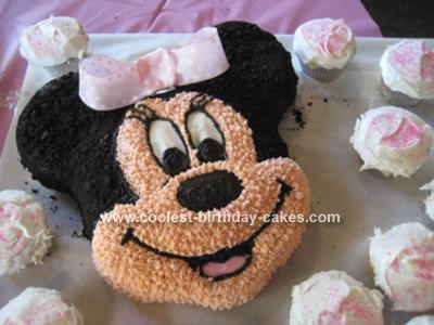 Coolest Minnie Mouse Cake 17
