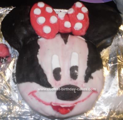 Minnie Mouse Birthday Cakes on Coolest Minnie Mouse Cake 45 21338400 Jpg