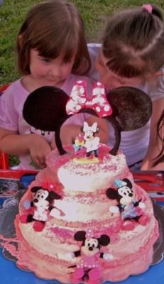 Kaitlyn's Minnie Mouse Birthday Cake