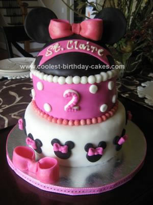 Minnie Mouse Cakes 13