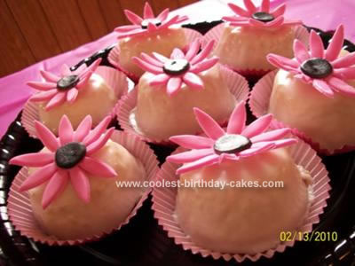 Homemade Pink Daisy Cupcakes