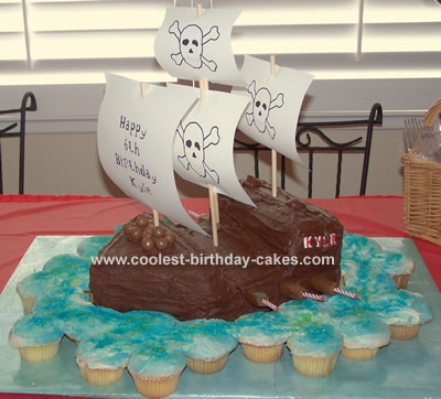 Easy to Make Pirate Cakes http://www.coolest-birthday-cakes.com/coolest-pirate-ship-cake-73.html