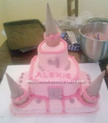 Princess Birthday Cakes on Coolest Princess Caste Birthday Cake 338 21323097 Jpg