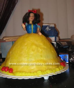 Pin birthday snow white cake guru oshkosh cake on pinterest