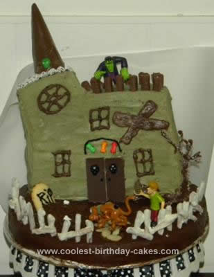 Homemade Scooby Doo Haunted House Cake