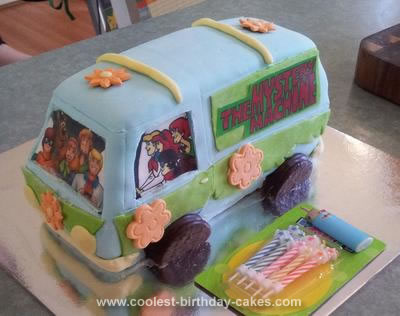 Homemade Scooby Doo Mystery Machine 3D Van Cake