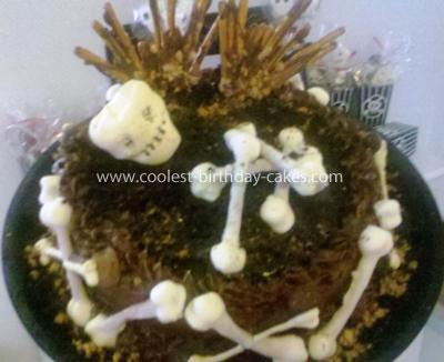 Coolest Skull and Bones Mud Cake