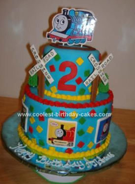 Thomas  Train Birthday Cake on Coolest Thomas The Train Cake 97