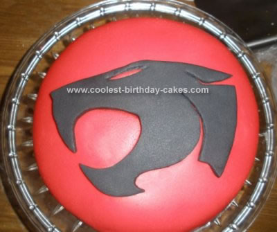 Thunder  Pics on Homemade Thundercats Emblem Cake