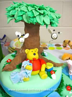 Homemade Winnie the Pooh Birthday Cake Design