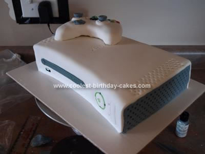 http://www.coolest-birthday-cakes.com/images/coolest-xbox-360-birthday-cake-26-21347658.jpg
