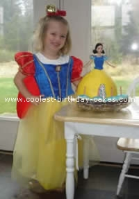 Disney Snow White Cake Photo