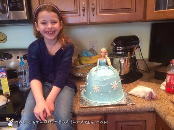 Beautiful Elsa dolls Cake