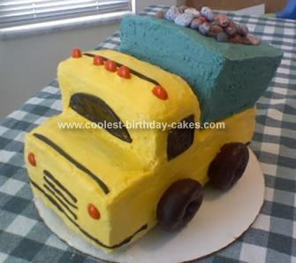 Cool Dump Truck Cake