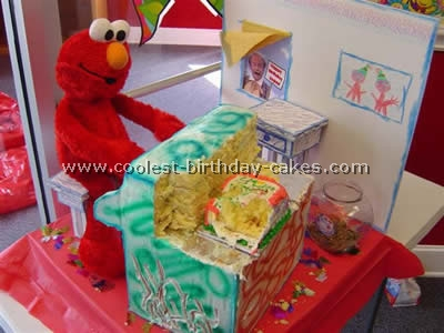 Coolest Animated Elmo Cakes