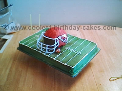 Coolest Football Helmet Cake9