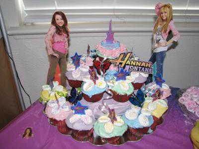 Hannah Montana Layered Cupcake Cake