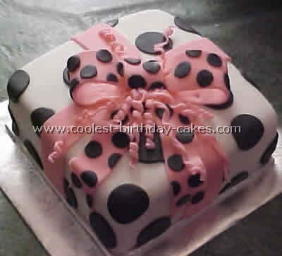 Gift-wrapped Box Cake