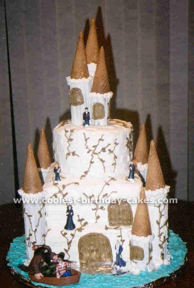 Homemade Hogwarts Harry Potter Cake