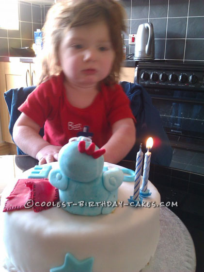 Cool Iggle Piggle Cake for a 2 Year Old