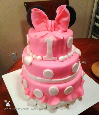 1st Birthday Minnie Mouse Cake