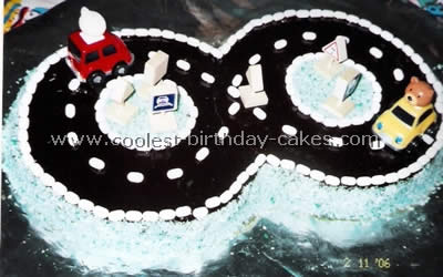 Coolest Homemade Race Track Cake Ideas 5