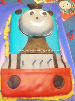 how to make thomas the train out of fondant